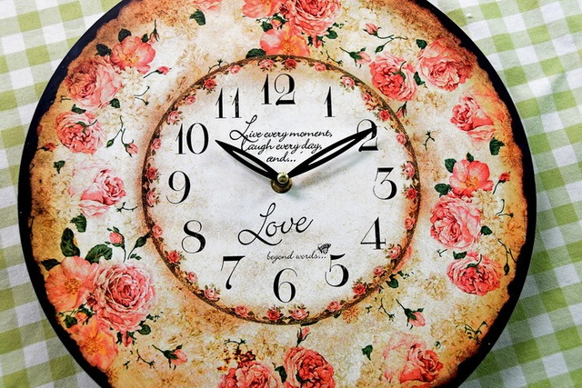 European style Romantic Rose Wood Wall Clock coloured drawing or pattern fashion Clocks Home Decor