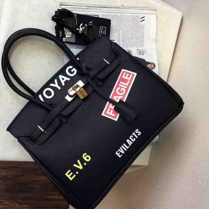 ФОТО The new fashion trend of classic big fun stamp lock platinum package letter portable shoulder bag