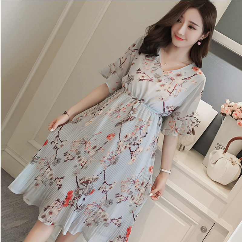New 2018 Summer Maternity Chiffon dress V Neck Short Sleeve Pregnancy Dresses For Pregnant Women Clothes print pleated Vestidos navy random feathers print v neck short sleeves slit hem maxi dress