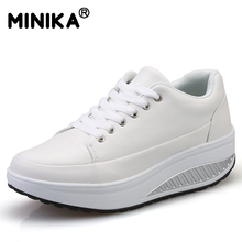 Minika Tenis Feminino Women Casual Shoes Leather Wedge Platform Swing Shoes Breathable Lightweight Walking Superstar Shoes White