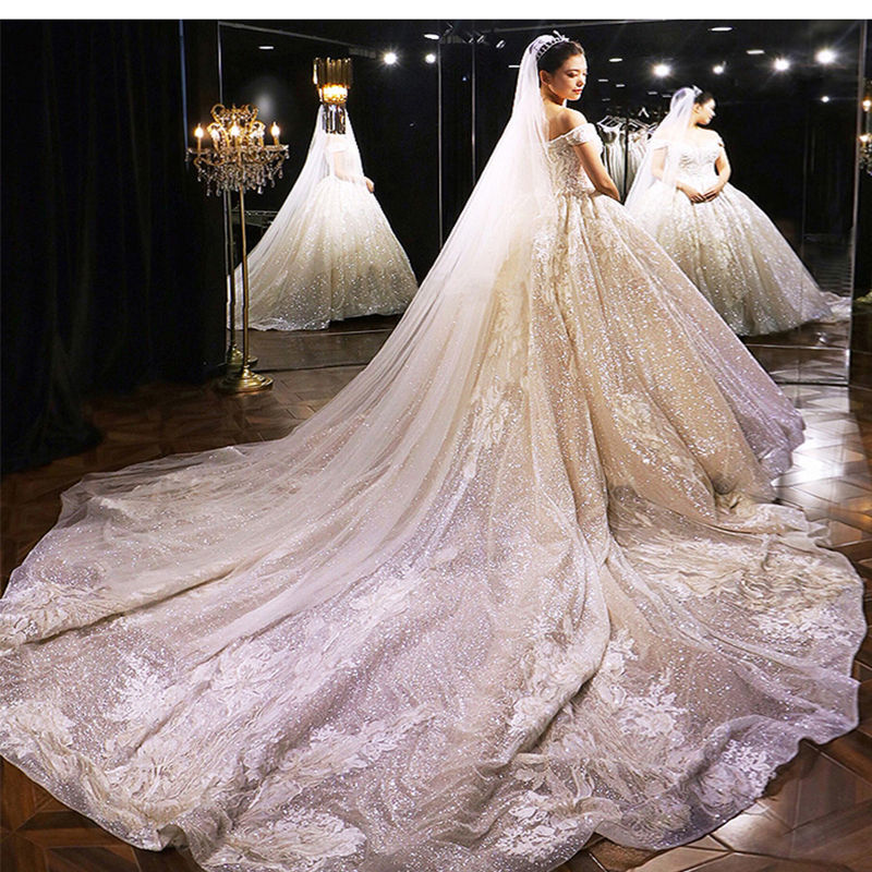 Image 2 - Wedding Dress 2019 Mrs Win The Elelgant Short Sleeve Sexy V neck Princess Luxury Lace Embroidery Bling Bling Wedding Dresses F-in Wedding Dresses from Weddings & Events