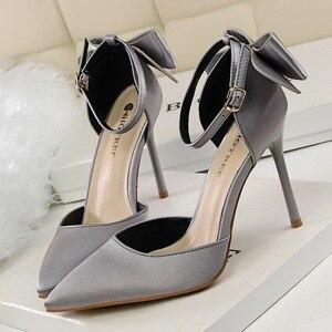 Image 5 - Zapatos de vestir con punta estrecha para mujer, calzado de talla grande 34 43, tacones altos, náuticos, de boda, con lazo lateral, 2020