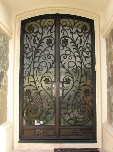 Moderne double portes en fer forg entr e portes en verre sat 0124 dans portes de r novation sur for Porte en fer et verre