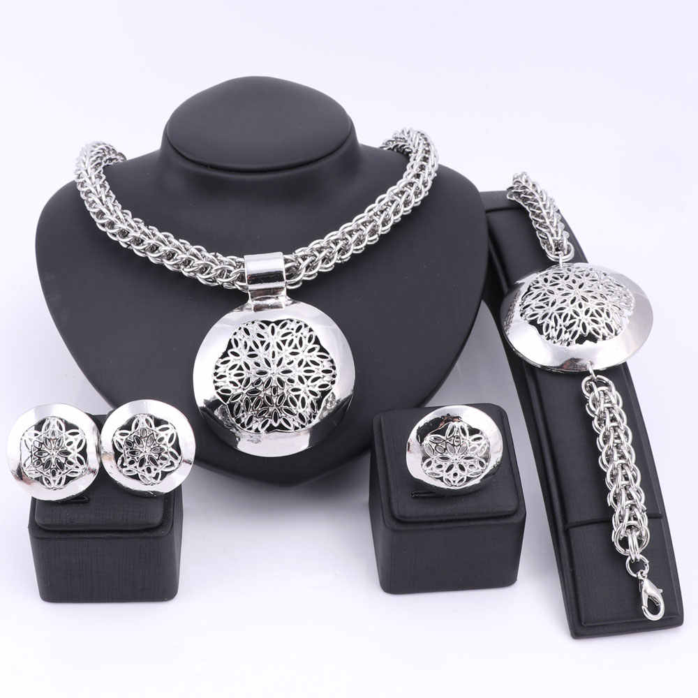 Latest Luxury Big Dubai Silver Plated Jewelry Sets Fashion Nigerian Wedding African Beads Costume Necklace Bangle Earring Ring