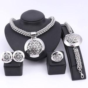 Image 1 - האחרון יוקרה גדול דובאי כסף מצופה תכשיטי סטי אופנה ניגרי חרוזים אפריקאים תלבושות שרשרת צמיד עגיל טבעת