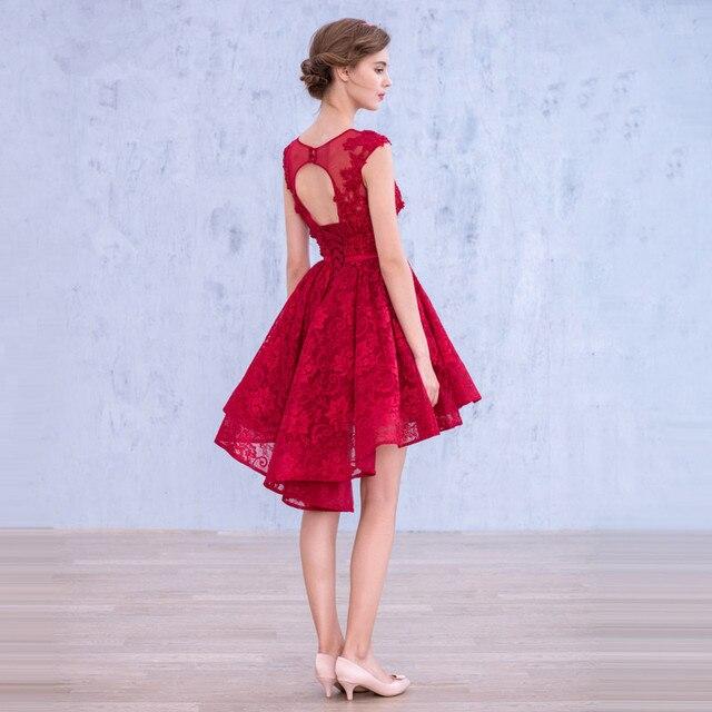 3d7fa4d9e6 Lindo manga del casquillo Appliqued Backless rojo encaje fiesta de noche  corto vestidos para el espectáculo