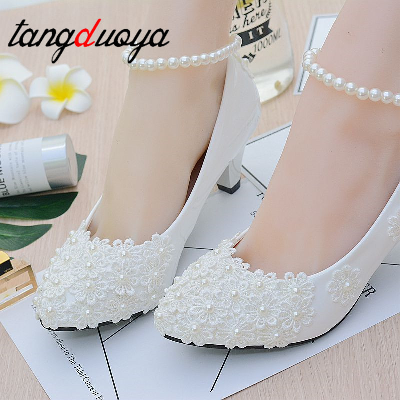women new design ivory lace low