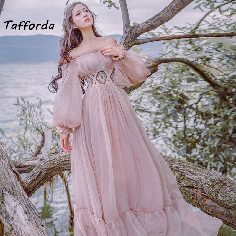 Tafforda 2017 Autumn New Literary Vintage Slash Collar Long Sleeved Strapless Female Dress Large Swing Vacation Fairy Dress