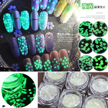 Ultra-thin Luminous Nail Art Decoration Sequins Glow In The Dark Fluorescent Flakes Rhinestone Manicure Nail Glitter Accessory 6 box set fluorescent luminous nail art sequins star moon heart flower six style ultrathin glitter nail flakes glow in the dark