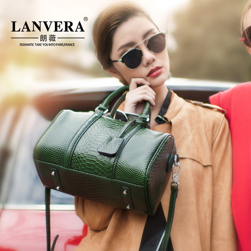 2017 new leather crocodile fashion bags shoulder diagonal cross hand Boston leather handbag qiaobao 2018 new korean fashion leather handbag trend of women s shoulder bag diagonal cross flow totes