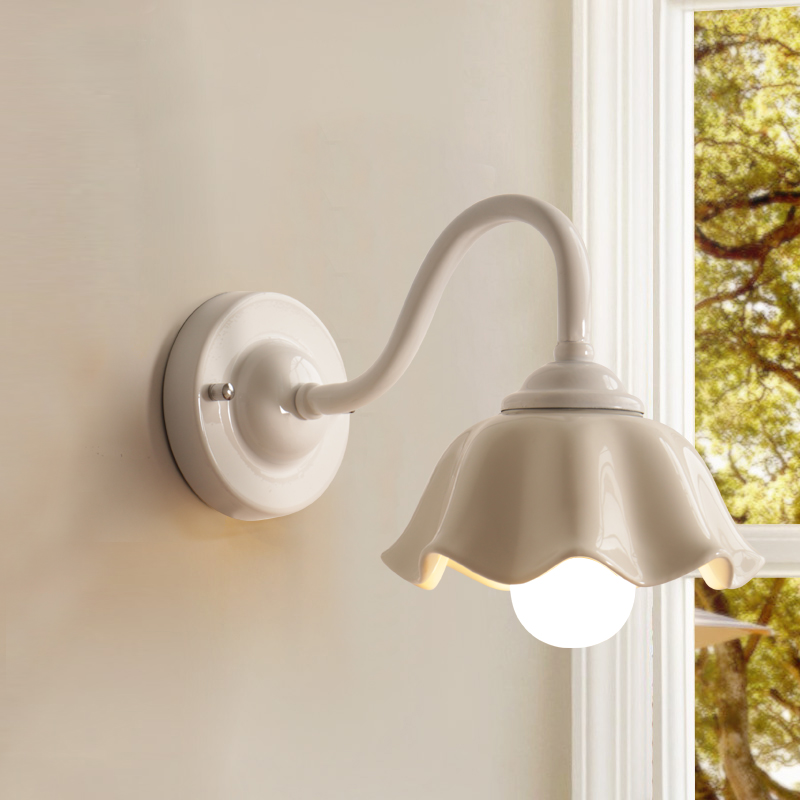 China Ceramic White Flower LED Lamp Wall Lamps Balcony Aisle Wall Light Entrance Mirror Headlight Home Wall Lighting Lamp F118China Ceramic White Flower LED Lamp Wall Lamps Balcony Aisle Wall Light Entrance Mirror Headlight Home Wall Lighting Lamp F118