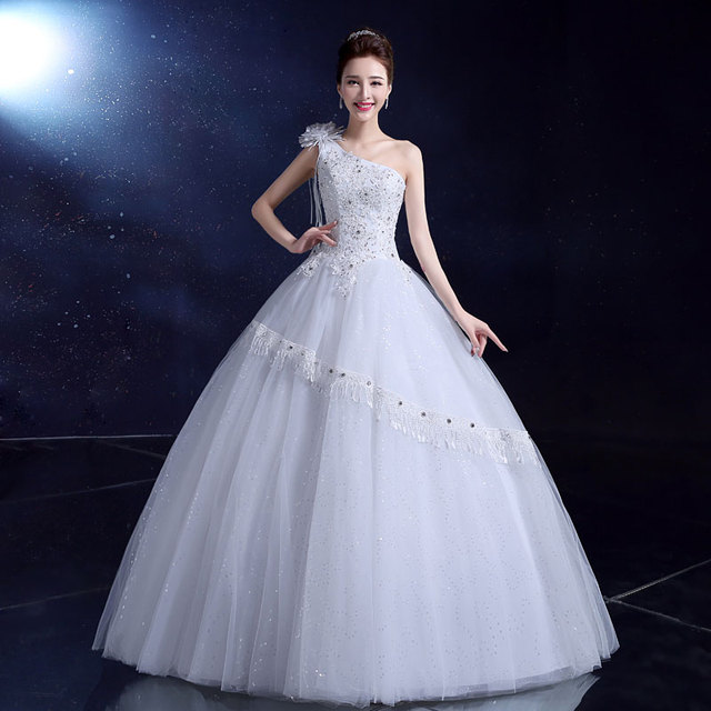LYG-Y02BS Wholesale Custom 2017 new fashion red and white wedding gown  Korean one 1fdfb2e9ff91