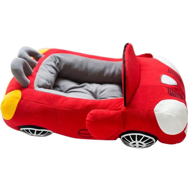 Vente chaude chiot Pet chien lit mode voiture forme matériau doux Durable nid chiens chats maison coussin chaud pour Teddy petits chiens chenil