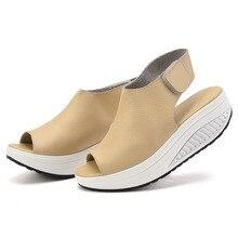 Marque Femmes Chaussures D'été Femmes Sandales Peep Toe Casual Swing Chaussures de Madame Platform Wedges Sandales Chaussures de Marche Femme Cadeau Chaussettes