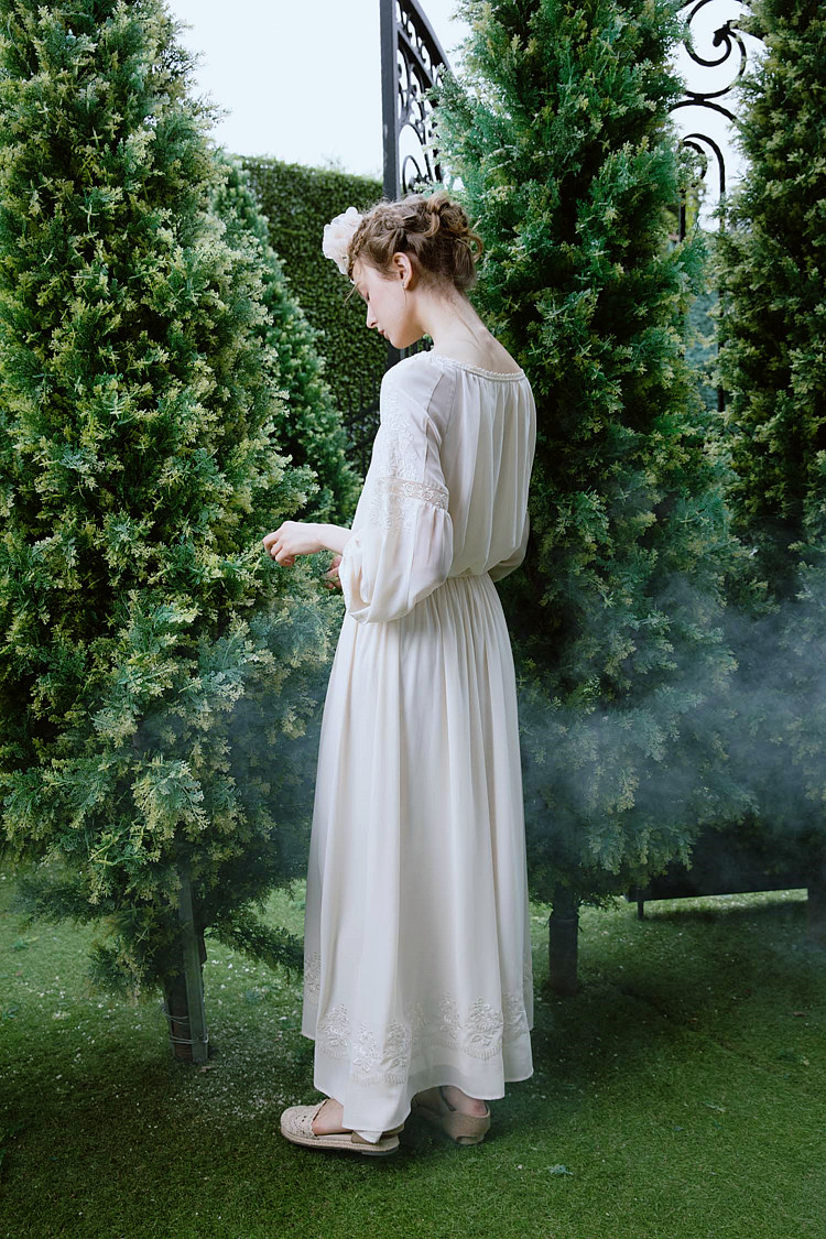 LYNETTE'S CHINOISERIE Spring Summer New Exquisite Embroidery Flower Beige Chiffon Fashion Long-sleeve Slim Vintage Dress