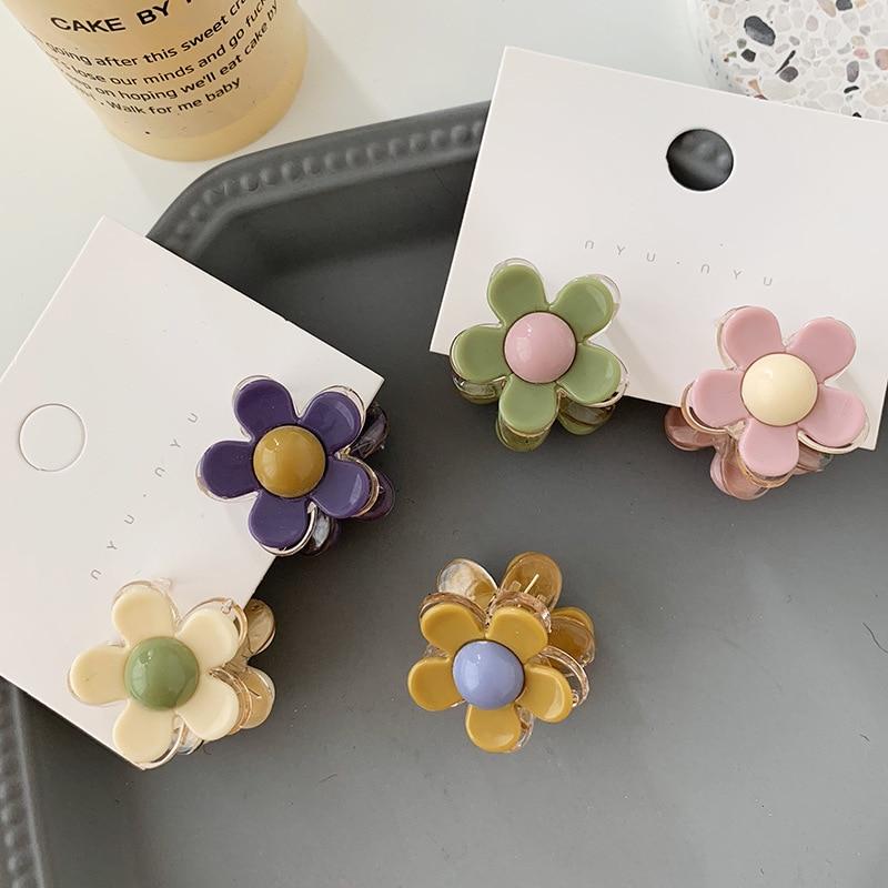 Ruoshui 1 pc Sweet Flower Hair Claws for Woman Girls Hairpins Korean Style Hair Crab Floral Barrettes Hair Accessories   Headwear