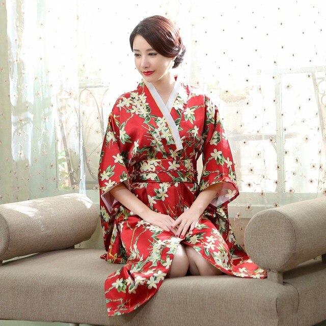 68ef24dae691 Floreale Giapponese Femminile Kimono Yukata Abito Tradizionale delle Donne  Accappatoio di Raso Con Obi vestito da