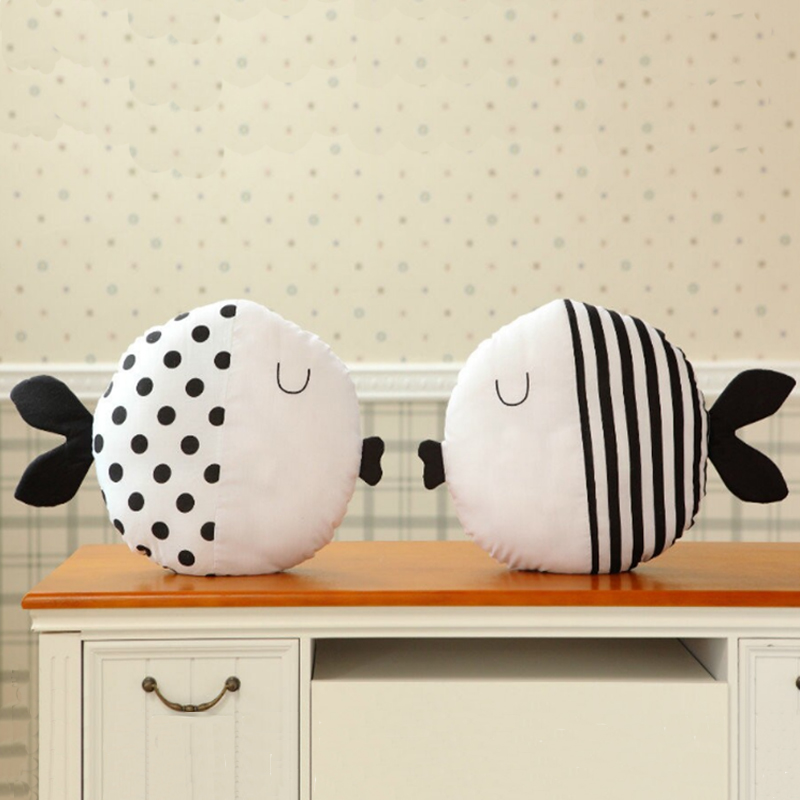 Hot Selling Kawaii Cotton Fish Plush Soft Toys For Children Room Bed Decor Family Kiss Fish Cushion Kid Girl Gift Baby Toy