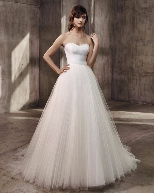 364602881e3 Romantic Sweetheart Off Shoulder Ball Gown Wedding Dress 2017 Simple Tulle  Design Sweep Train Long White Bride Dress Woman Wear
