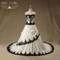 Gothic Ivory And Black A Line Wedding Dress Lace Applique Pearl Beaded Corset Wedding Dresses Vestidos