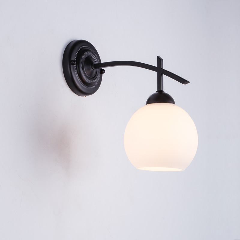 ФОТО Vintage Iron Pipe Wall Lamp Stair Bedside Bedroom Loft style Wall Light For Home Decor Sconce White Glass Lampshade E27 110-240V