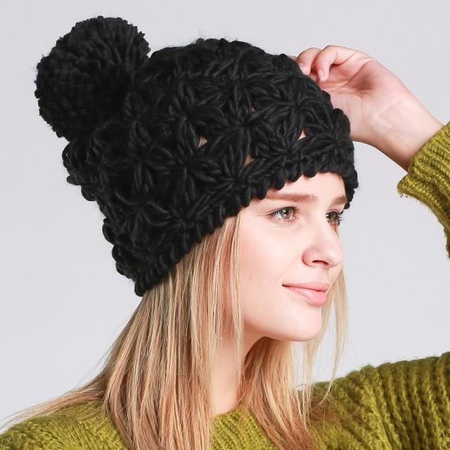 Nueva otoño invierno sombrero tejido a mano hueco tejida gorro de lana bola  de lana suave 60ae65c892ce
