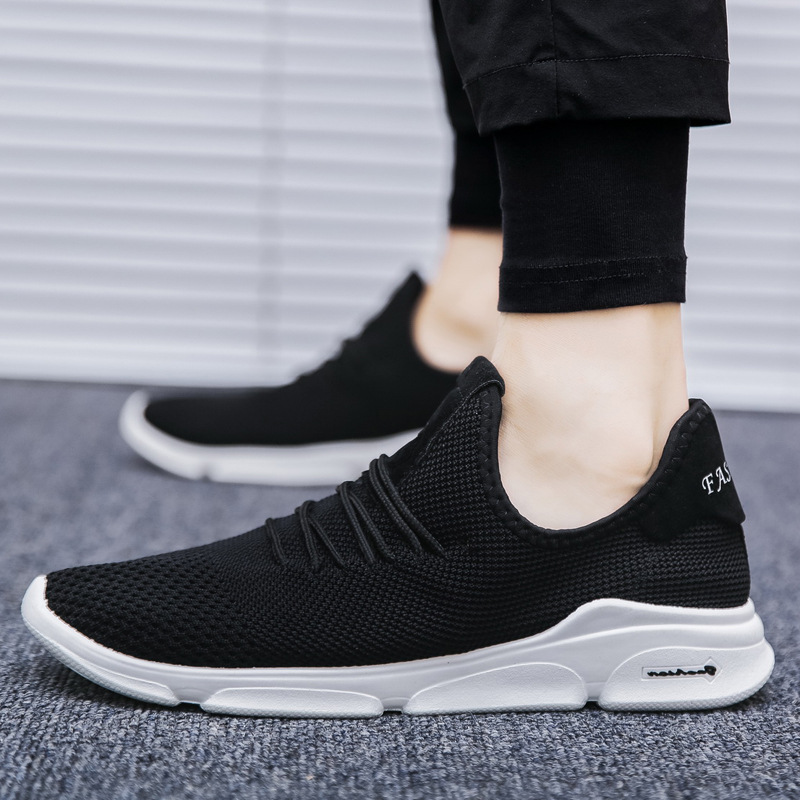 Mens White Sports Running Shoes 2018 Summer Air Breathable Mesh Shoes Designer Sneakers Male Outdoor Sports Jogging Shoes 350
