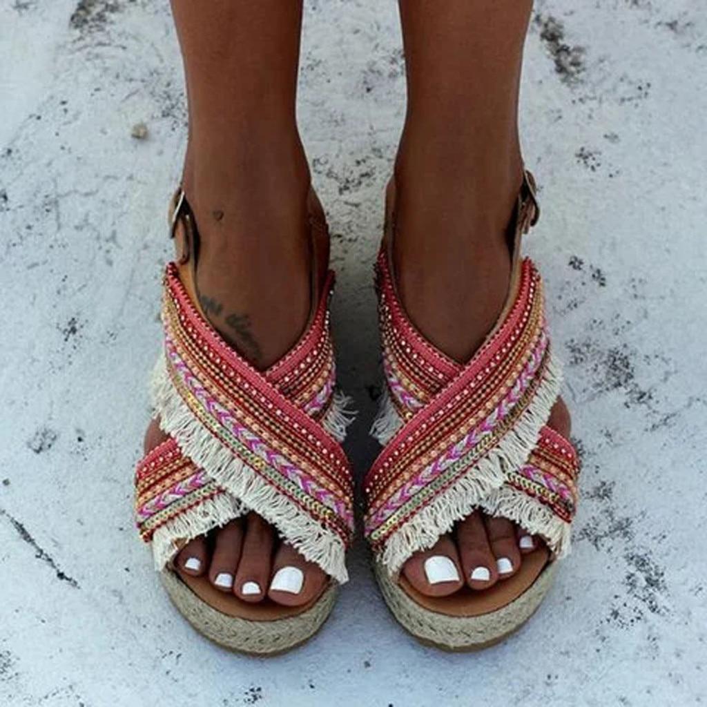 Sandálias de palha das mulheres Do Dedo Do Pé Aberto Tornozelo Borla Frisado sapatos Romanos estilo étnico grosso-bolinho de fundo grosso com trançado frisado volta sandália