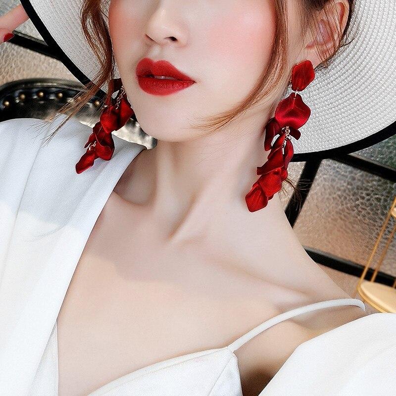 2019 New Arrival  Alloy Vintage  Women Dangle Earrings Sexy Rose Petal Long  Tassel Earrings Female Korean Jewelry Red Earrings