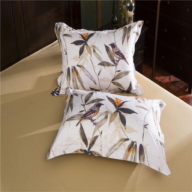 Retro Floral Patterned Bedding Set