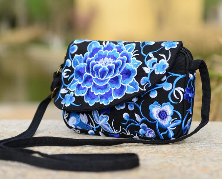 Hot sell New National Ethnic Embroidery Bag Embroidered Canvas shoulder Messenger Bag  cloth canvas phone Clutch travel handbag