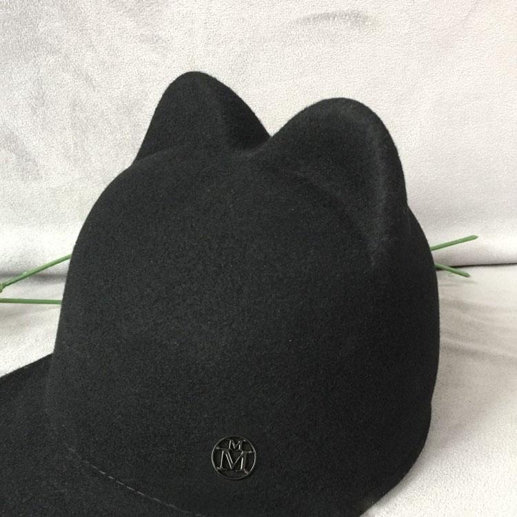 Oso oído gorra de béisbol logotipo de metal negro fieltro de lana cap  ecuestre sombrero de ala ancha de Los Hombres y mujeres de Jamie en Gorras  de béisbol ... 7f7bf981b20