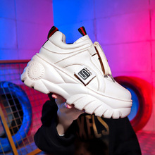Hot sale white sneakers 2019 New Spring summer Ultralight platform fashion Comfortable Breathable casual shoes women