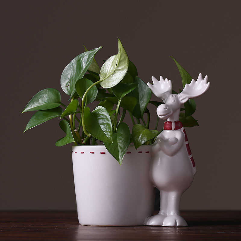 Pastoral style cute elk ceramic desktop plant small flower pot Simple white elk desktop storage jar