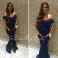 d38a45276 Navy Blue Maternity Bridesmaid Dresses Plus Size Mermaid Off The Shoulder  Appliques Lace Pregnant Bridesmaid Dresses. Azul marino Dama De Honor ...