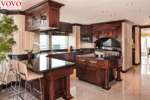 Octagon Shaped Traditional Kitchen Cabinets