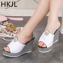 HKJL 2019 summer new sandals women outside wear slippers high heel with a thick bottom slope with fish mouth stripe bottom A125 стоимость