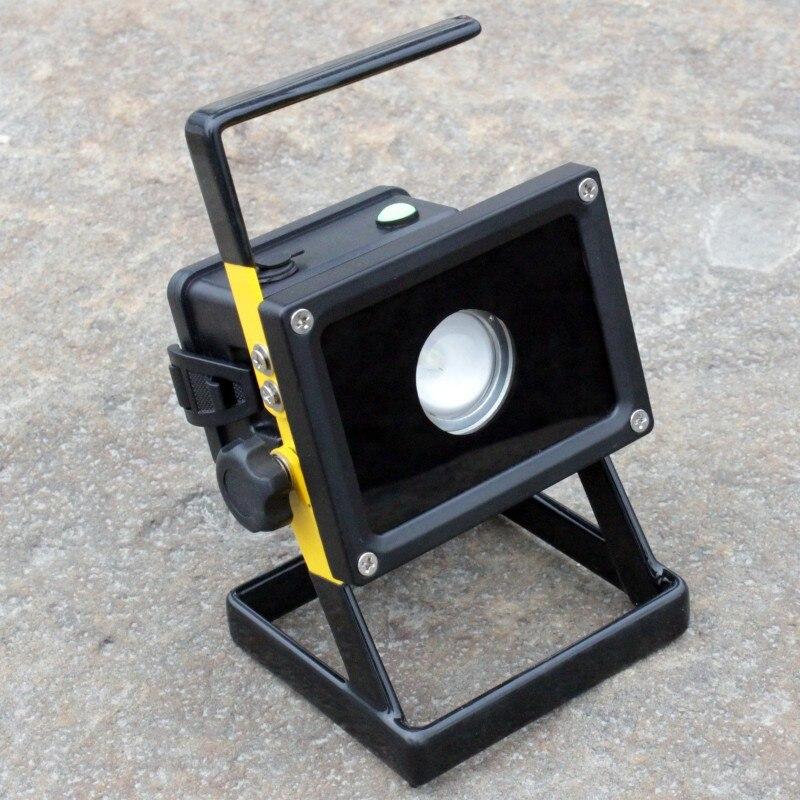 YUPARD XM-L2 LED-oversvømmelseslys Søglight Spotlight T6 LED 3modes genopladeligt lommelygte + 3 * 2200mAh 18650 batteri + oplader