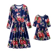 купить Half Sleeve Mother Mom and Daughter Dresses Family Look Matching Outfits Mommy and Me Clothes Mama Mom Daughter Dress Clothing по цене 494.33 рублей