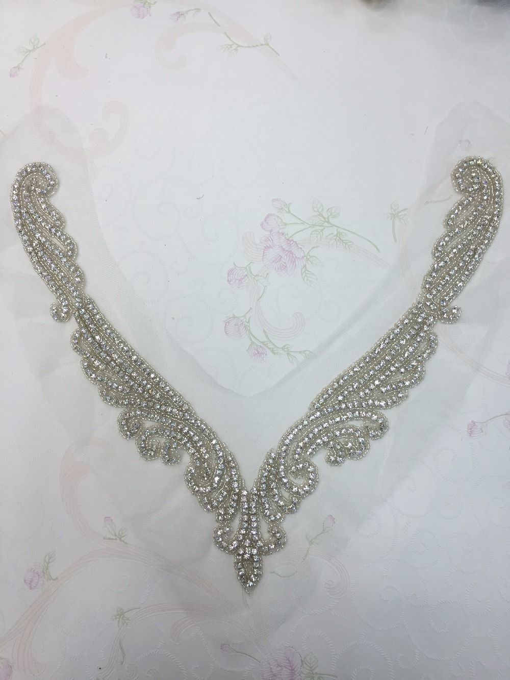 30pieces Hot Fix Beaded Bridal Sew Neckline