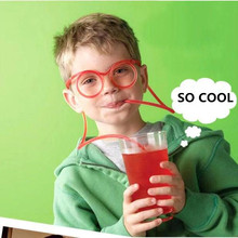 8dd27a75b1 1pc Disposable Children s Creative Eyeglasses Straw Fun Shape Plastic Straw  Round Heart-Shaped Birthday Party