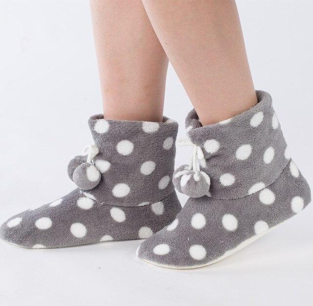Новый 2016 Теплый Мягкий Коралл Бархат Белый Серый Dot Шаровые Тапочки Женщин Дом обуви Утолщаются Теплый дом Тапочки Зимние Тапочки