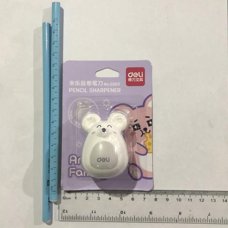 Купить с кэшбэком Deli 1pcs Cute Kawaii Lovely Plastic Mouse Manual Pencil Sharpener Creative Stationery Gifts For Kids School Supplies