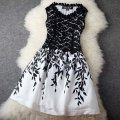 Sexy Women Sleeveless Embroidery Lace Dress Evening Party Silm Short Dress Vogue Plus Size