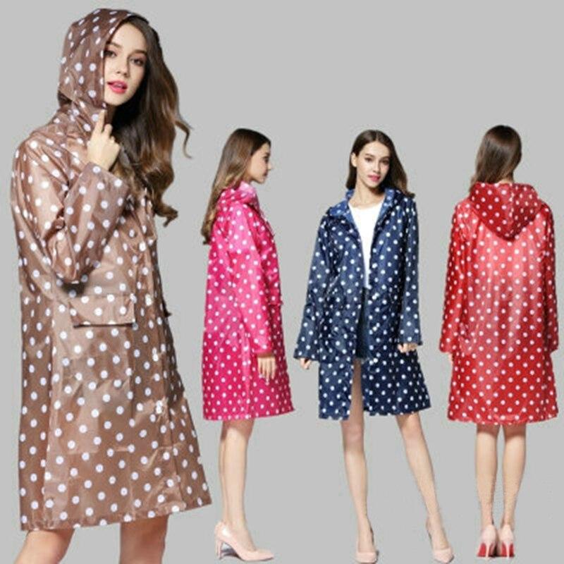 03ec9dea7c3 Cubierta de lluvia de plástico mujeres hombres puntos impermeables  impermeable portátil al aire libre viaje impermeable Camping con capucha  Ponchos 67632