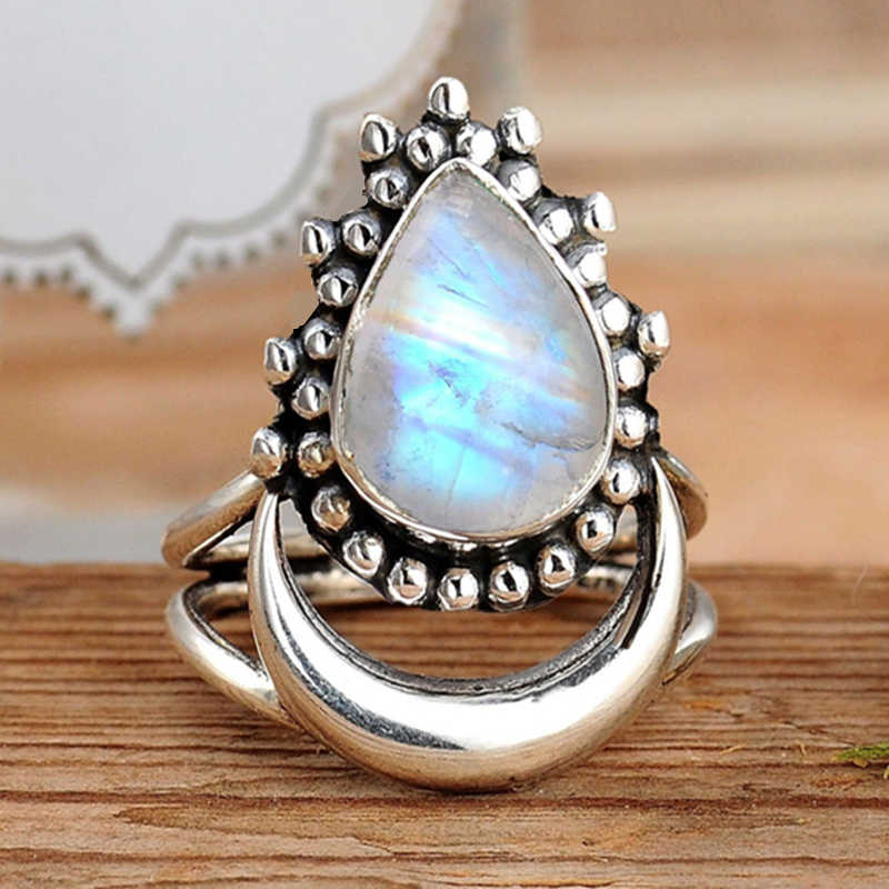 Vintage Crescent Moon Imitation Moonstone Ring Boho Teardrop Statement Stone Ring for Women Fashion Jewelry Gift