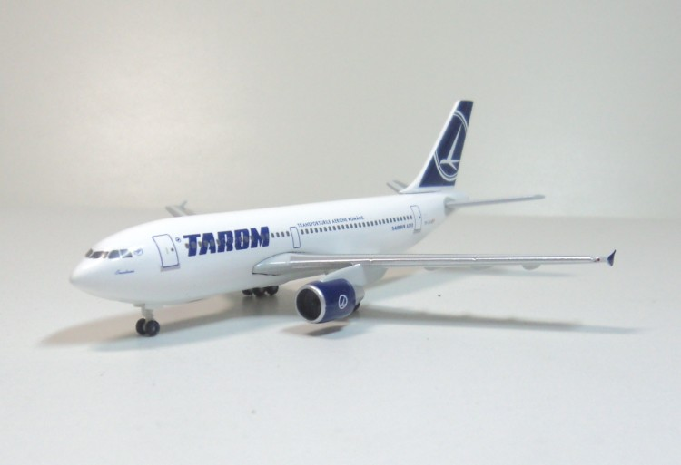 Tarom A310 YR-LCA Romania Herpa aircraft model 1:500 20mm 22mm ceramic