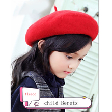 где купить 2019 new children's beret autumn and winter season woolen hat wild baby girl child hat warm female painter hat по лучшей цене