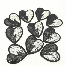 50pcs Black and White Iron On Heart Patches Sequins Garment Jeans Backpack Shoes Decor Embellishment 5.5*5.0cm