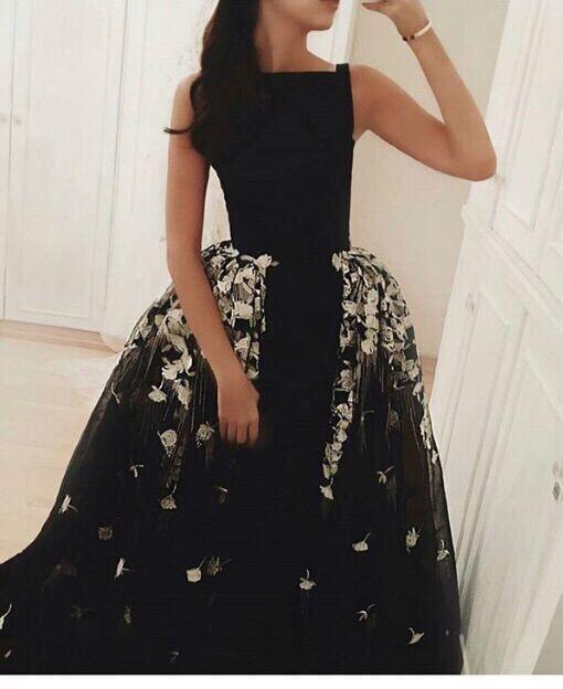 Élégant col haut une ligne robes de bal 2014 vente femmes dos ouvert robes de soirée avec perles et cristaux